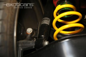 exoticars-suspension-fitting-2